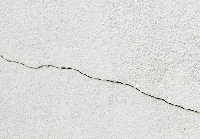 Cách khắc phục trần nhà bị nứt