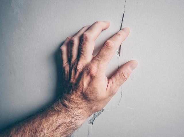 Nguyên nhân gây ra nứt chân chim trên tường